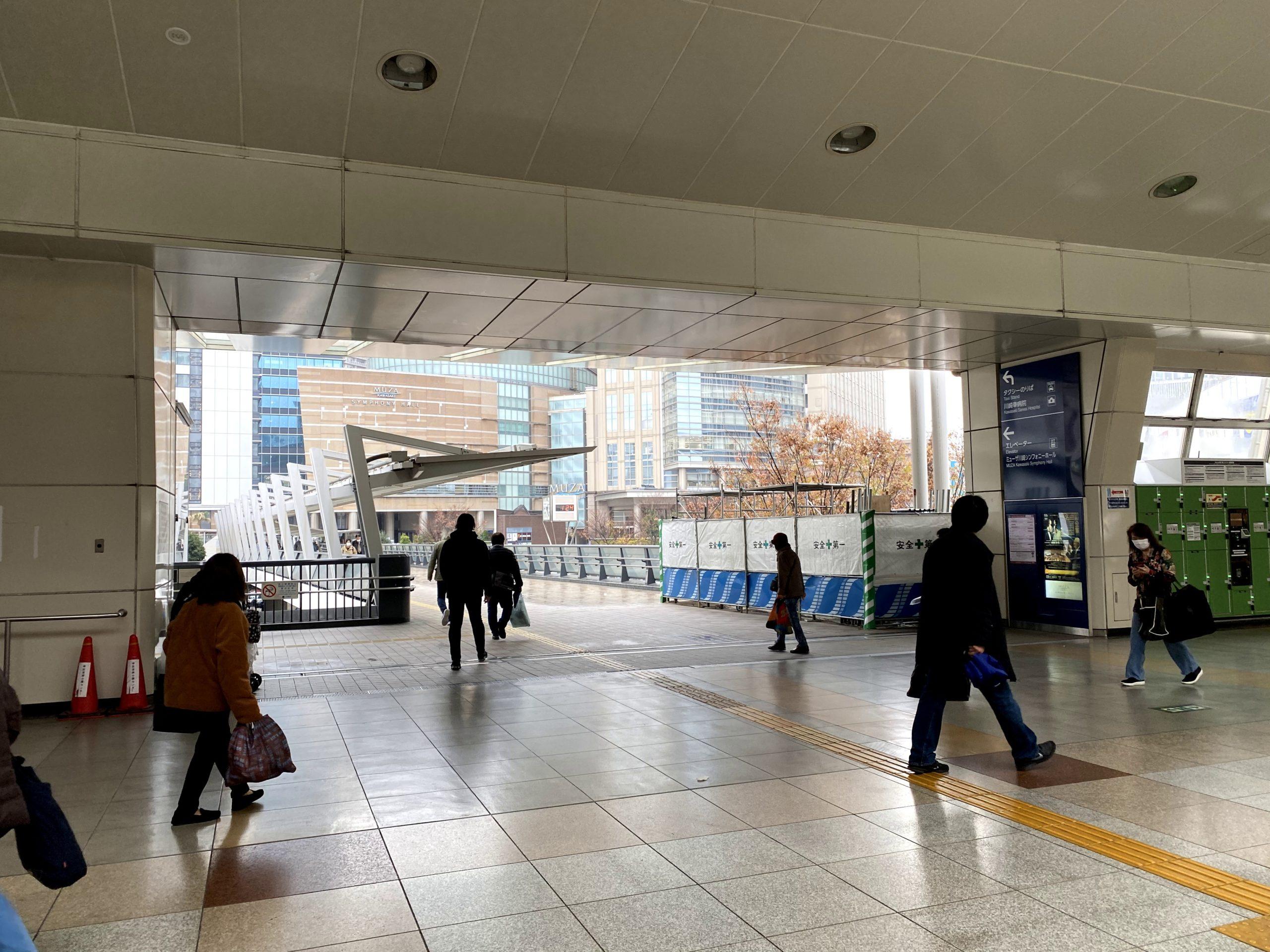 左手に現れるMUZA川崎方面の橋へ進みます